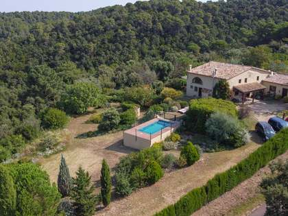 349m² Country house with 8,000m² garden for sale in El Gironés