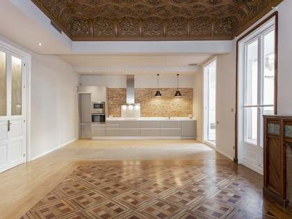 250m² Apartment with 60m² terrace for rent in Eixample Right