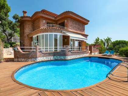 Maison / Villa de 346m² a louer à Teià, Maresme