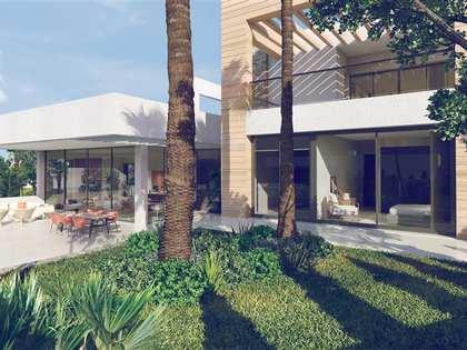 Huis / Villa van 260m² te koop met 170m² terras in Nueva Andalucía