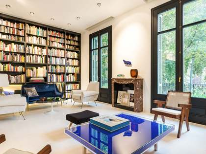 128m² Apartment with 12m² terrace for sale in Eixample Right