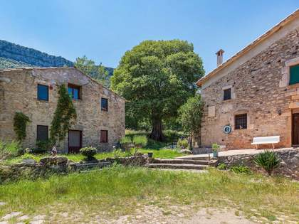 18th century farmhouse for renovation in Girona