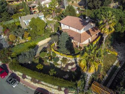 Villa de estilo mediterráneo en venta en Cabrils