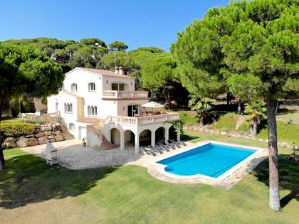 480m² House / Villa for sale in Santa Cristina, Costa Brava