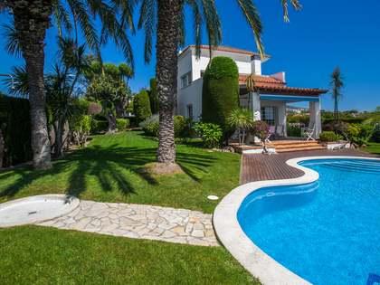 Huis / Villa van 460m² te koop in Alella, Maresme