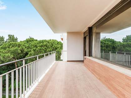 260m² Apartment with 28m² terrace for sale in Pedralbes