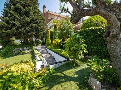 Huis / Villa van 290m² te koop in Teià, Maresme