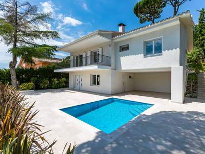 200m² House / Villa for sale in Cabrils, Barcelona
