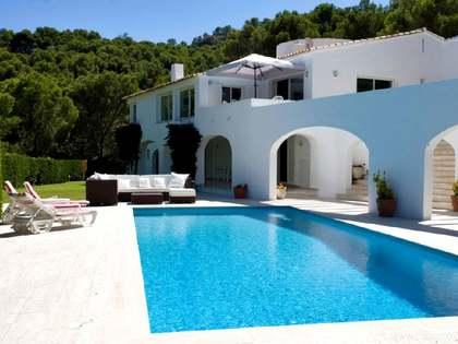 Villa con vistas de Sa Riera en venta en la Costa Brava
