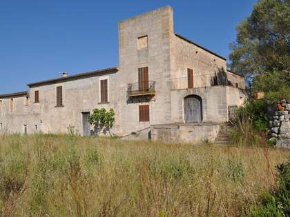 Historic building for renovation in central Mallorca