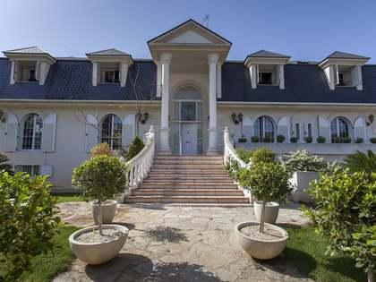 Villa de 658m² en alquiler en La Eliana, Valencia