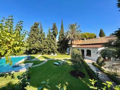 masia van 400m² te koop met 50m² terras in Alicante ciudad