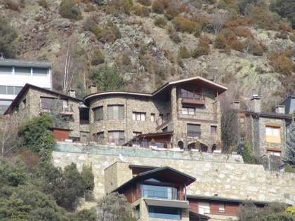Casa / Vil·la de 640m² en venda a Escaldes, Andorra