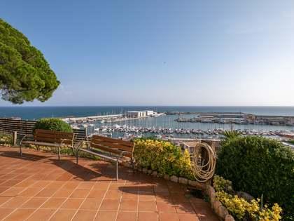 在 Arenys de Mar, 巴塞罗那 307m² 出售 豪宅/别墅