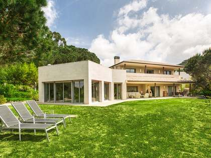 Contemporary detcahced house for sale in Vallromanes