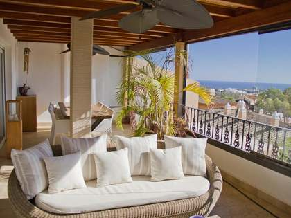 Penthouse van 169m² te koop met 64m² terras in Nueva Andalucía