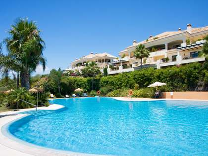 3-bedroom ground floor apartment for sale in West Marbella