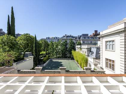 448m² Castle / Palace for rent in Castellana, Madrid