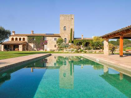 640m² Haus / Villa zum Verkauf in Baix Emporda, Girona