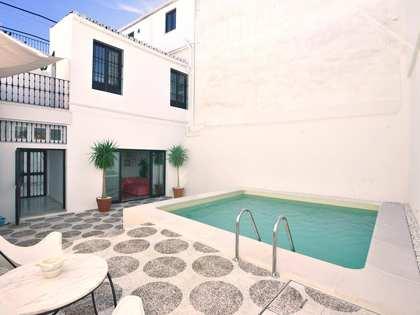 casa / vil·la de 242m² en venda a Sevilla, Espanya