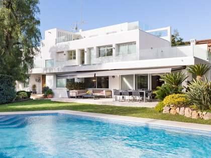 Casa / Villa de 693m² con 300m² de jardín en alquiler en Esplugues