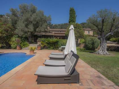 763m² Country house with 1,000m² garden for sale in Platja d'Aro