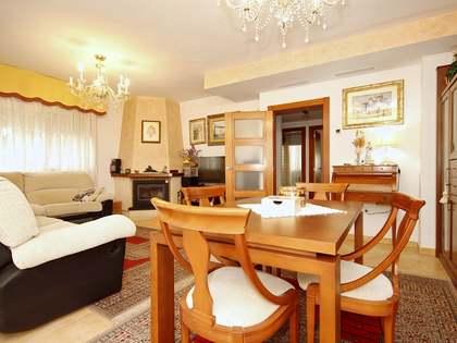 Huis / Villa van 215m² te koop met 20m² terras in Alicante ciudad