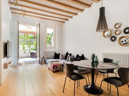 79m² Apartment with 20m² terrace for rent in Eixample Right