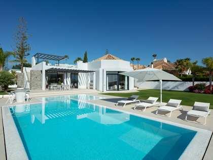 Casa / Vil·la de 351m² en venda a Nueva Andalucía
