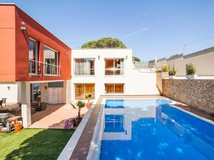 Costa Brava-Villa mit Meerblick zum Verkauf in Lloret de Mar