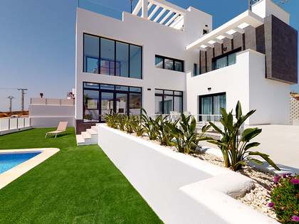 210m² House / Villa for sale in Finestrat, Alicante