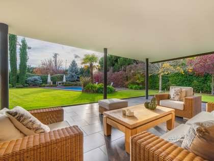 Villa de 480 m² en venta en Pozuelo, Madrid