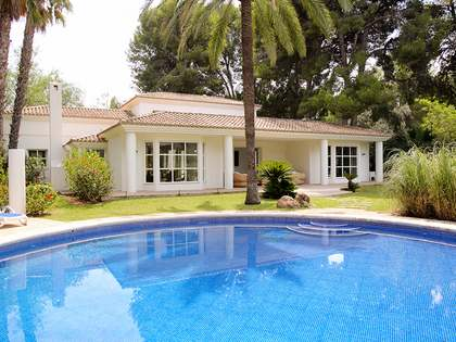 375 m² house with 2,025m² garden for sale in Dénia