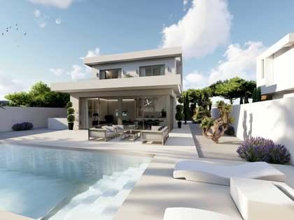 Дом / Вилла 275m² на продажу в Playa San Juan, Аликанте