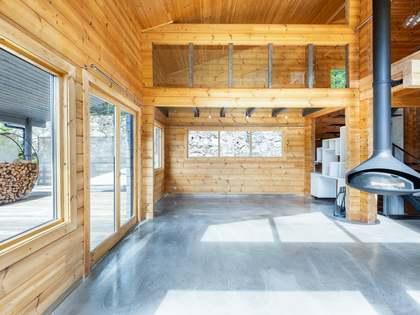 261m² House / Villa with 300m² garden for sale in La Massana