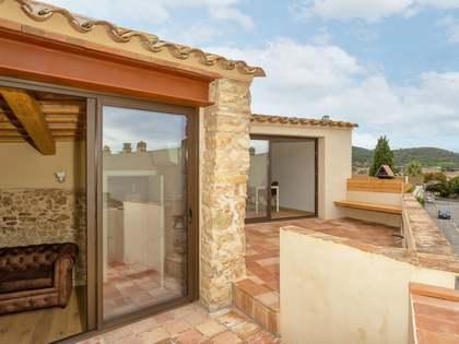 Casa di campagna di 240m² in vendita a Baix Emporda, Girona