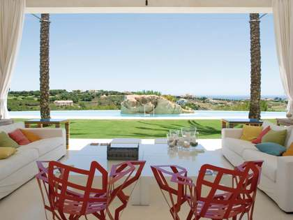 Exclusive 8 bedroom villa for sale in Sotogrande Alto