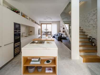 дом / вилла 225m², 43m² Сад на продажу в Сарриа, Барселона