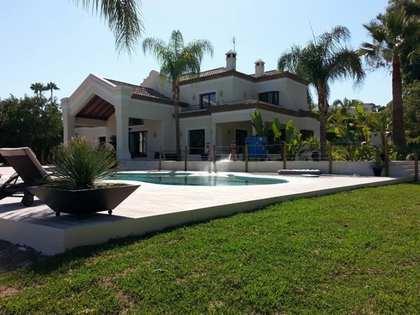 900m² Haus / Villa mit 4,000m² garten zum Verkauf in Nueva Andalucía