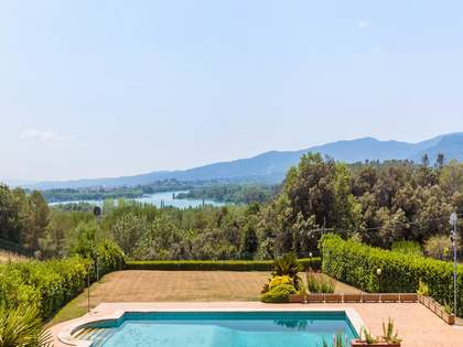 Vineyard property for sale by Lake Banyoles