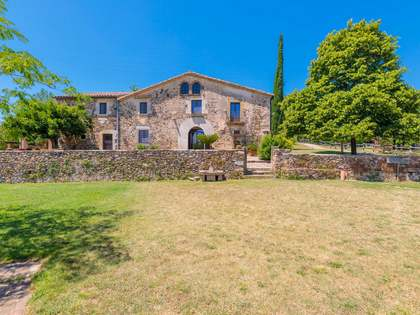 Casa di campagna di 958m² in vendita a El Gironés, Girona