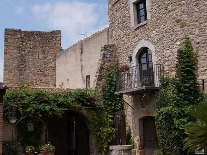 Huis / Villa van 930m² te koop in Alt Emporda, Girona