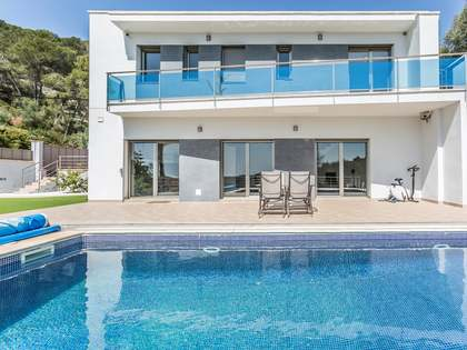 Villa for sale in Cubelles, Sitges