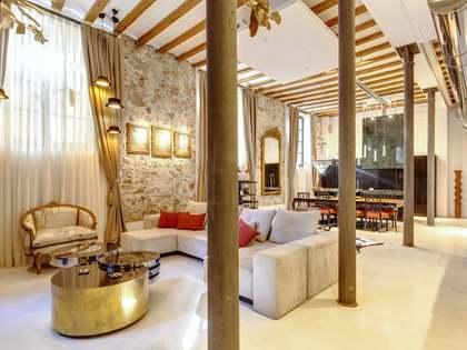 292m² lägenhet med 32m² terrass till salu i Gotiska Kvarteren