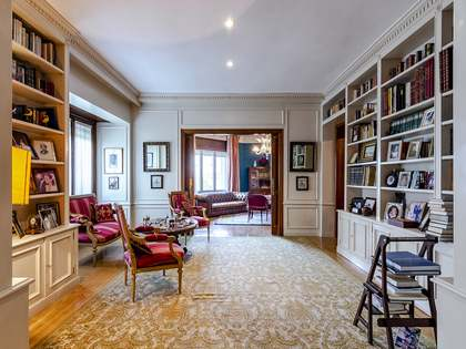 559m² Apartment for sale in Ríos Rosas, Madrid