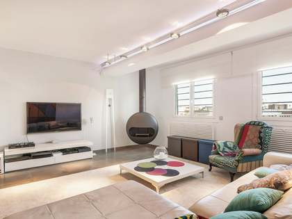200 m² apartment with 28 m² terrace for sale in Eixample Left