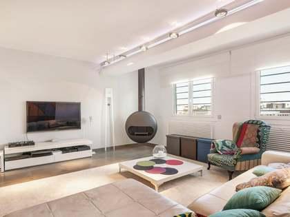 Piso de 200m² con terraza de 28m² en venta en el Eixample