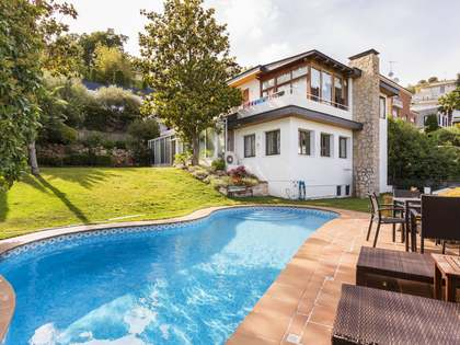 5-bedroom house with a pool for sale in Ciudad Diagonal