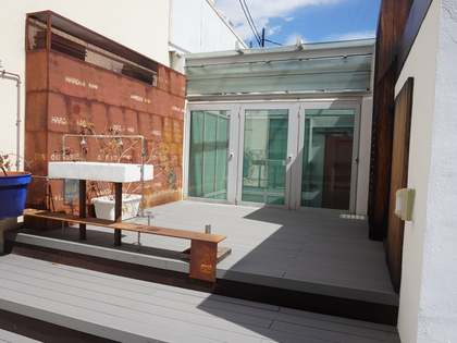 190 m² penthouse with a terrace for rent in Sant Francesc