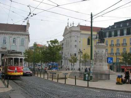 Charming 3 bedroom duplex apartment for sale in cultural Lisbon
